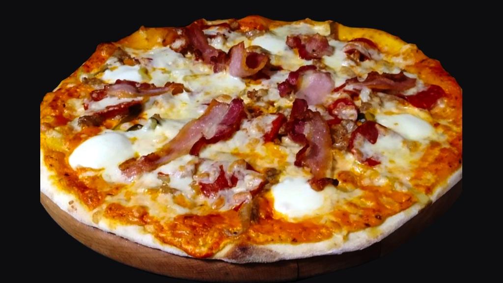 Пицца Бекон и Пепперони
